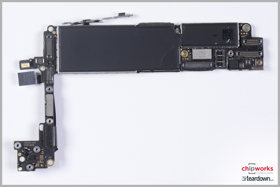 Apple iPhone 7 Board Shot